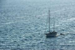 Schip in het overzees Royalty-vrije Stock Afbeeldingen