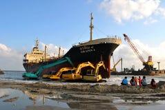 Schip met lading op het Kanaal van Kiel, Duitsland Stock Afbeeldingen