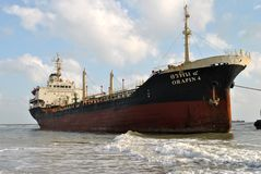 Schip met lading op het Kanaal van Kiel, Duitsland Stock Foto's