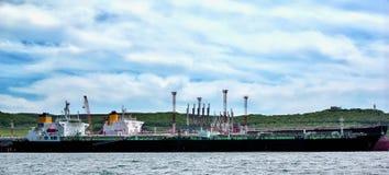 Schip met lading op het Kanaal van Kiel, Duitsland stock afbeelding