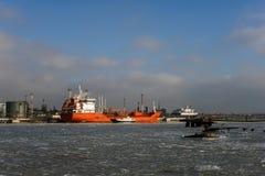 Schip met lading op het Kanaal van Kiel, Duitsland Royalty-vrije Stock Foto