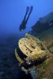 Schip onderwater met duiker Royalty-vrije Stock Afbeeldingen
