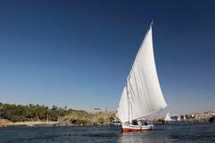 Schip op de rivier van Nijl stock foto