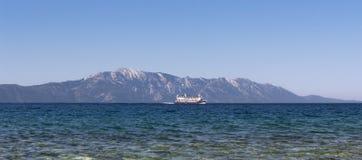 Schip op het Adriatische overzees Stock Foto