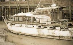 Schip op land Royalty-vrije Stock Afbeeldingen