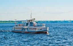 Schip op Volga Stock Fotografie