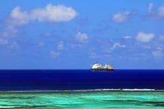 Schip op zee Stock Afbeeldingen