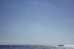 Schip op zee Stock Foto