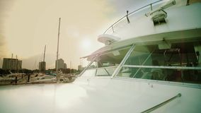 Schip op zee, Kapiteinsbrug of controlekamer binnen mening stock video