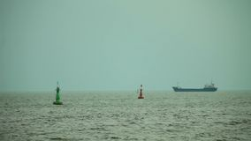 Schip op zeewateroppervlakte
