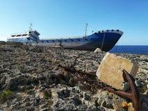 Schipbreuk in Malta stock fotografie