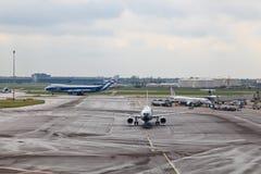 Schiphol flygplatssikt Arkivfoton