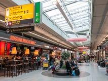 Schiphol Plein winkelend centrum bij de Luchthaven Holland van Amsterdam Royalty-vrije Stock Fotografie