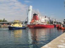 Schipingang op Matosinhos-haven royalty-vrije stock fotografie