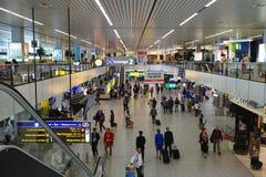 Schipol-Flughafen-Durchfahrt Stockbild