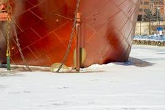Schipschil in haven in Duluth, Minnesota wordt bevroren dat Royalty-vrije Stock Fotografie