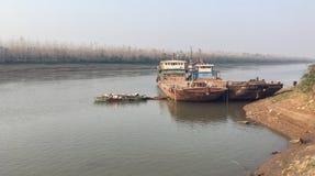 Schipwrak - langs Yangtze-Rivier stock fotografie