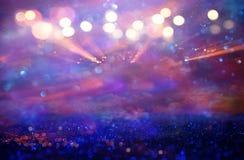 Schitter uitstekende lichtenachtergrond Roze en purple DE-geconcentreerd royalty-vrije stock foto