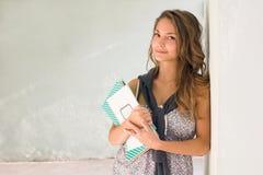 Schitterend jong studentenmeisje. stock foto