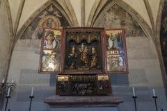 Schitterend recent Gotisch houten altaar van de 15de eeuw in de Kapel van St Magdalena, St Magdalena Kapelle, Hall In Tirol royalty-vrije stock foto's