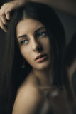 Schitterende donkerbruine schoonheid Royalty-vrije Stock Afbeelding