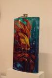 Schitterende fles met een gouden die vis Gr Padrino door lowrider wordt genoemd Royalty-vrije Stock Foto
