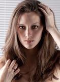 Schitterende Headshot van Model voor Zonneblinden Stock Afbeeldingen