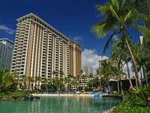 Schitterende Lagune in Hawaï met Hotels Stock Foto