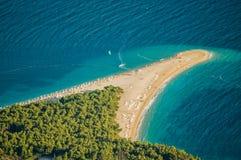 Schitterende mening over Gouden Kaap op Brac-eiland, Kroatië royalty-vrije stock foto's