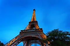 Schitterende mening van de Toren van Eiffel met dramatische hemel Royalty-vrije Stock Afbeeldingen
