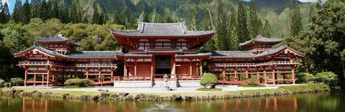Schitterende panoramische Boeddhistische tempel in Hawaï Royalty-vrije Stock Foto's