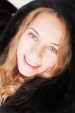 Schitterende vrouw in een bont Stock Foto's