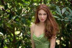 Schitterende Vrouw in Groen Royalty-vrije Stock Afbeelding