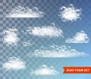 Schiuma del sapone con il vettore isolato bolle su fondo trasparente illustrazione vettoriale