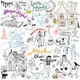 Schizzo degli elementi di progettazione di Halloween con la zucca, strega, gatto, fantasma, cranio, pipistrelli, ragni con il web Immagine Stock Libera da Diritti