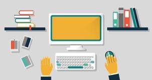 Schizzo del posto di lavoro con un computer, tastiera, topo, con gli scaffali ed i libri fotografia stock libera da diritti
