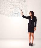 Schizzo della giovane donna e pensieri calcolatori Fotografia Stock Libera da Diritti