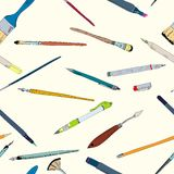 Schizzo di scarabocchio degli strumenti di disegno senza cuciture Fotografia Stock