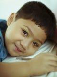 Schläfriges Kind Stockfoto