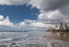 Schlägerjamswurzelstrand, Israel, Panoramablick Lizenzfreie Stockbilder