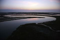 Schlängelnder Fluss. Lizenzfreies Stockbild