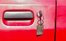 Schlüssel an der Tür Stockfotos