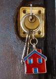 Schlüssel im Verschluss in der Haustür stockfoto