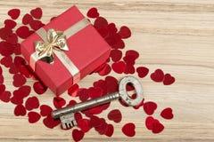 Schlüssel mit dem Herzen, Symbol der Liebe Lizenzfreies Stockfoto