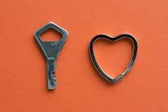 Schlüssel mit Herzen Stockfotos