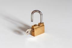 Schlüssel u. entriegeln Stockfoto
