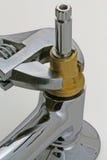 Schlüssel und Hahn lizenzfreie stockbilder