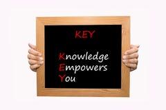 SCHLÜSSEL - Wissen bevollmächtigt Sie lizenzfreies stockbild