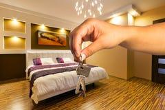 Schlüssel zur modernen Wohnung Lizenzfreie Stockbilder