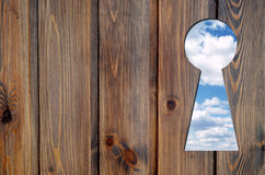 Schlüsselloch des blauen Himmels lizenzfreies stockbild